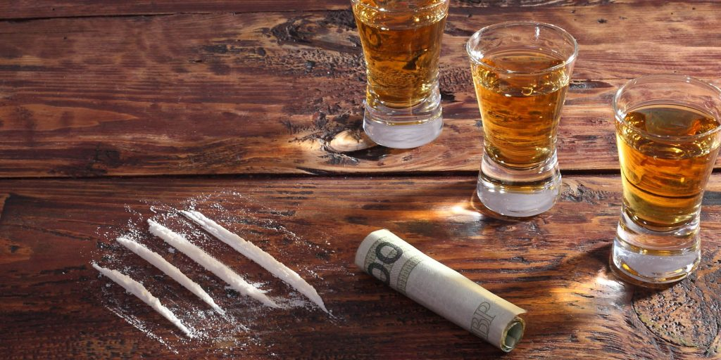 A person with a drug addiction mixes cocaine and alcohol